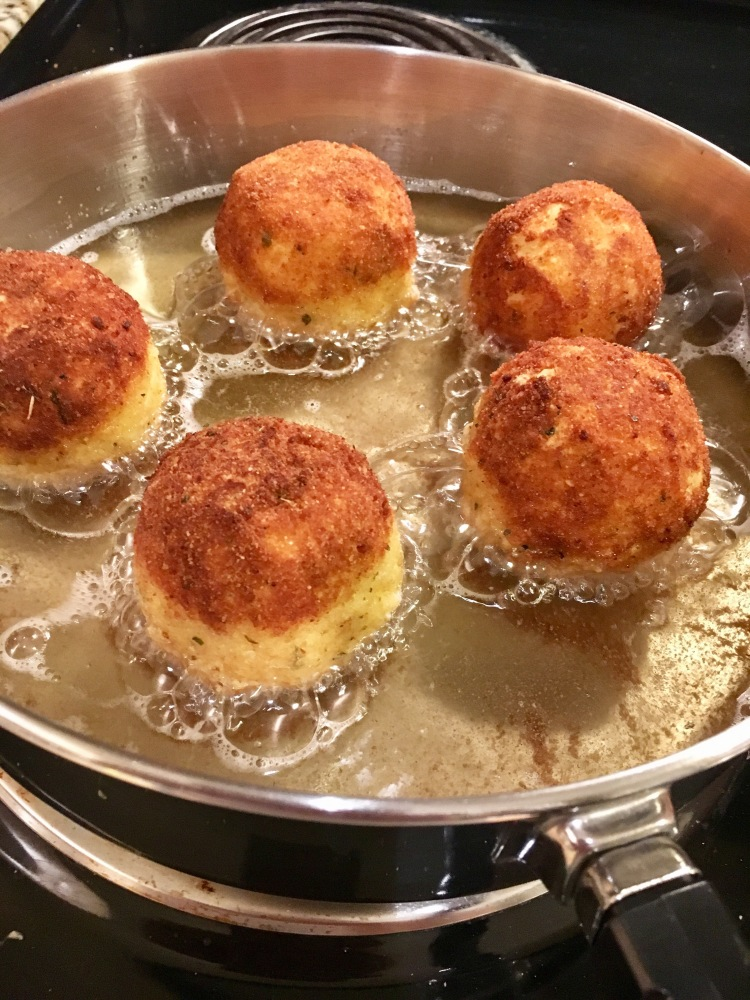 Thanksgiving leftovers: Fried mashed potato balls